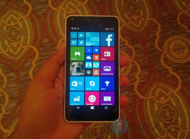 Microsoft-Lumia-640-Hands-on-1