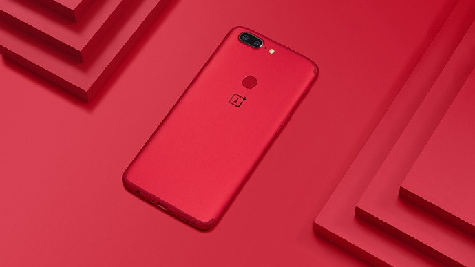 Get this awesome Sandstone White OnePlus 5T while it's still available