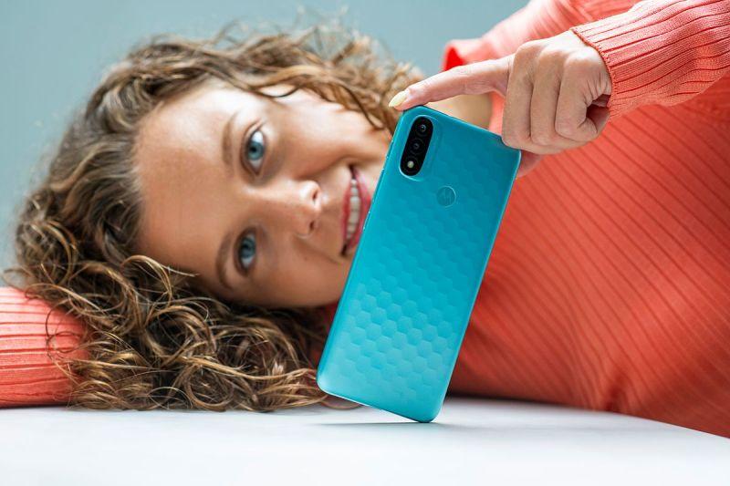 الإعلان عن هاتف Motorola Moto E20 بنظام Android 11 Go