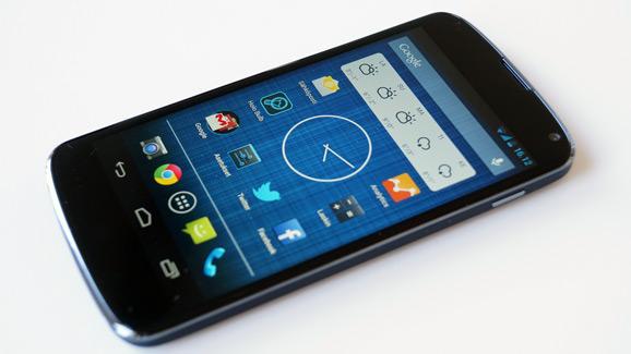 Nexus 4 live