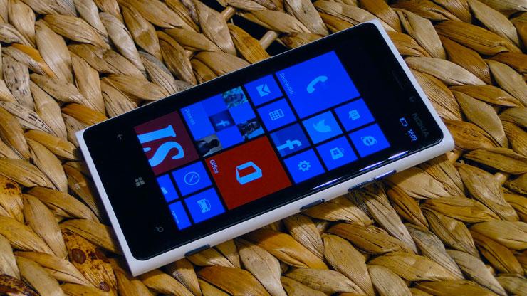 Nokia Lumia 800 white
