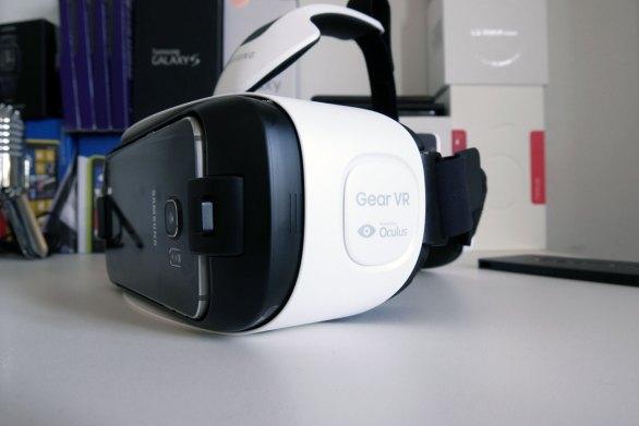 GearVR on tehty yhteistyössä Oculus-yhtiön kanssa.