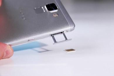 Huawei Honor 7, SIM-telakka
