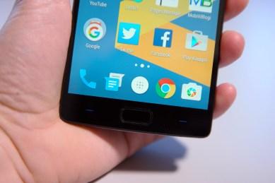 OnePlus 2, näytön alla olevat painikkeet