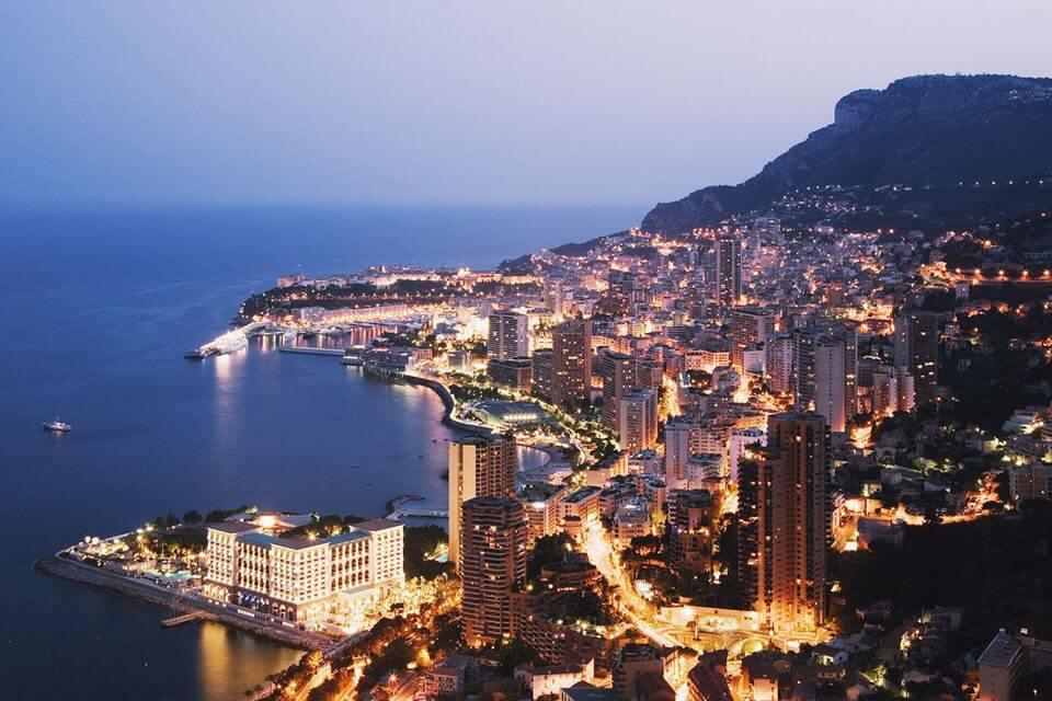 Besök ett lyxigt casinot i Monte Carlo
