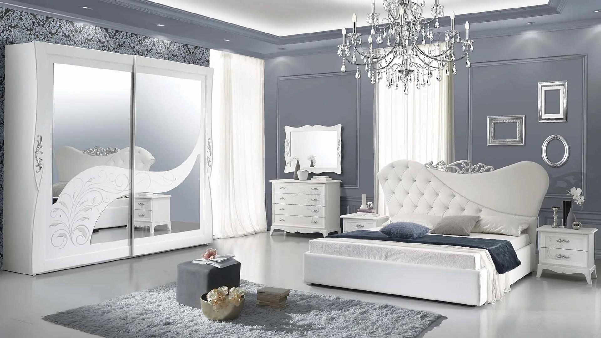 Camera da letto matrimoniale con armadio tre ante scorrevoli e letto con box contenitore. Easy Camere In Pronta Consegna Mobilandia