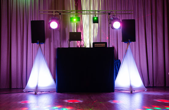 hull mobile dj wedding discos children's entertainer