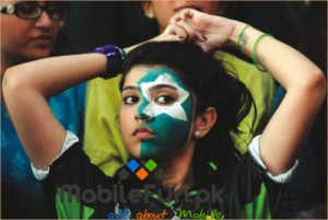 pakistani-girl-supporting-pakistan