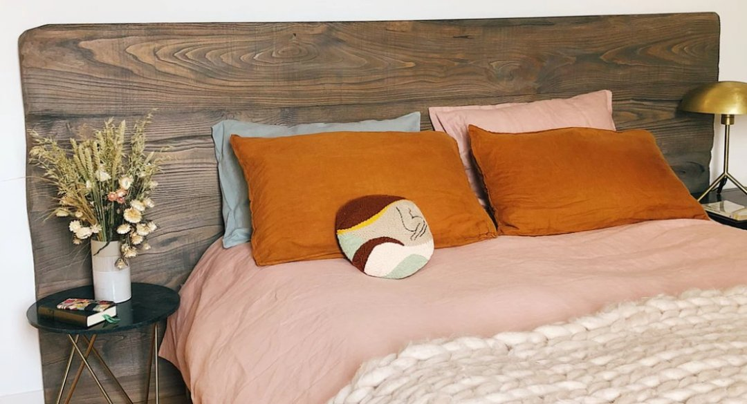 Soft colors for a bedroom