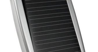 Arctic C1 Solar USB Charger