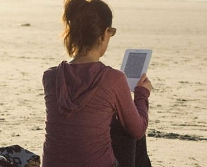 kindle-in-hand