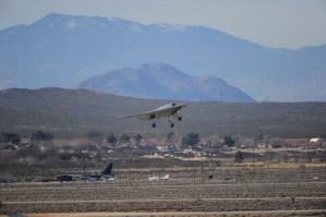 northrop-grumman-x-47b-first-flight-1 northrop-grumman-x-47b-first-flight-1