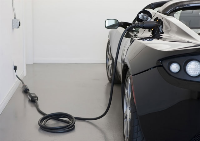 gas prices drive consumers to EVs