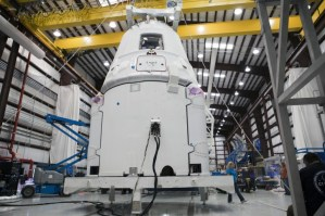 spacex-dragon-commercial-launch-iss-1 spacex-dragon-commercial-launch-iss-1