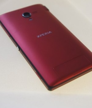 Sony-Xperia-ZL-in-Red-Spotted-in-the-Wild-No-Global-Release-for-This-Color Homepage - Magazine