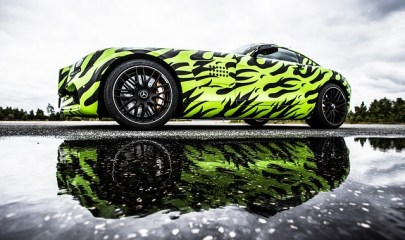 2015-mercedes-amg-gt-s-front-three-quarter-puddle