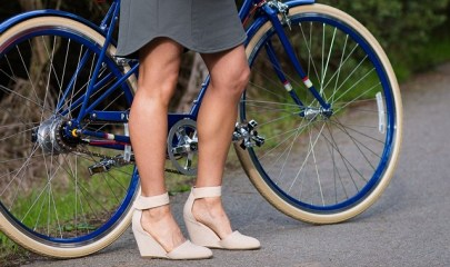 cycling-in-skirts-penny-in-yo-pants
