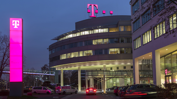 DT takes over T-Systems corporate telecoms clients