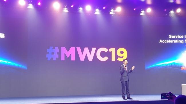 Huawei flexes 5G muscle