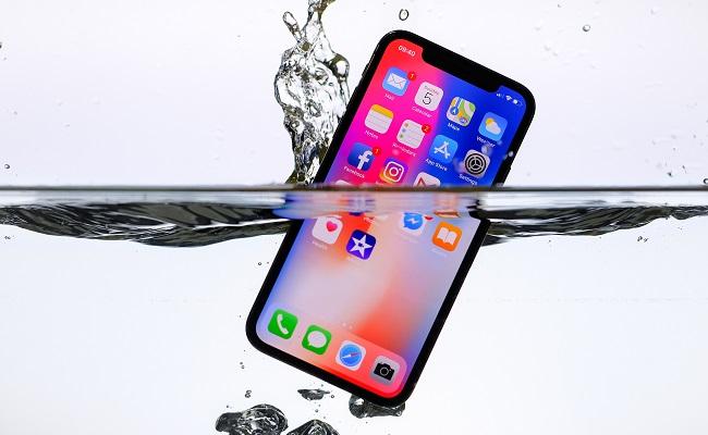 Italian regulator sinks Apple water resistance claims - Mobile World Live