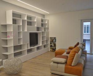 Se hai spesso ospiti, dovresti scegliere un ampio divano angolare componibile. Mobili Soggiorno Moderno By Mobilificio Mirandola Nicola Cristiano Mobilificio Mirandola