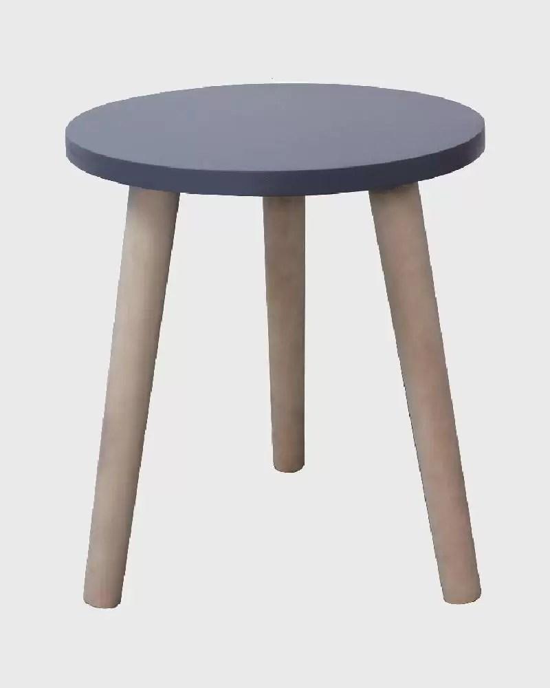 Un tavolo dallo stile contemporaneo che si adatta bene a ogni ambiente. Tavolino Tondo In Stile Moderno E Scandinavo Per Salotto Mobili Rebecca