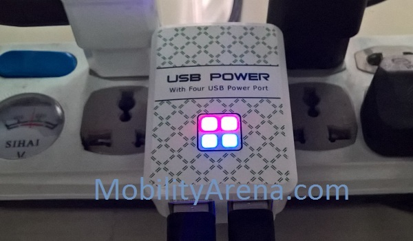 4 Port USB Power Adapter lit up