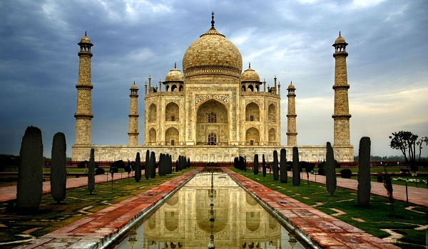 bestselling smartphone brands in India - Taj Mahal