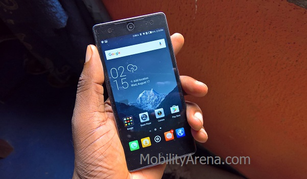 TECNO Camon C7 review - in hand
