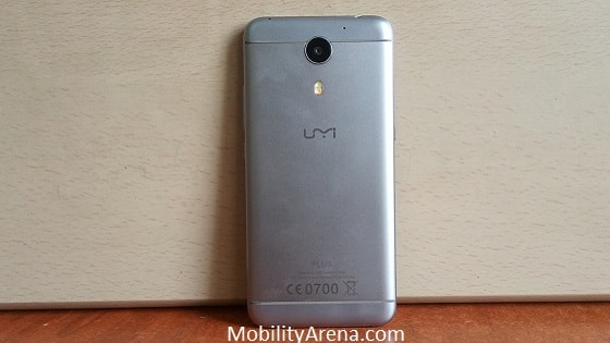 umi-plus-unboxing-back-min