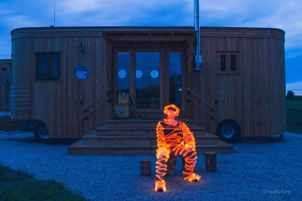 Lightpainting Figur in orange