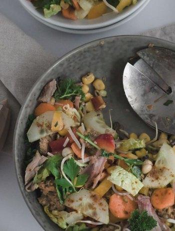 Buttermilchdressing und Salat