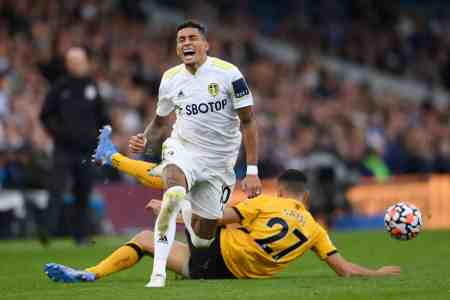 Raphinha hits out at PL officials after suffering injury vs Wolves