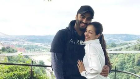 Arjun kapoor shares romantic photo with malaika arora on her birthday – Entertainment News ...