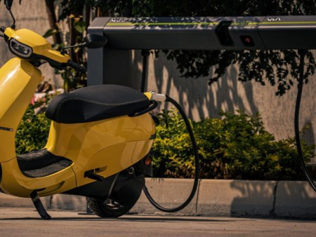 Ola Electric launches first Hypercharger| will charge the scooter's battery from 0 to 50%  ...