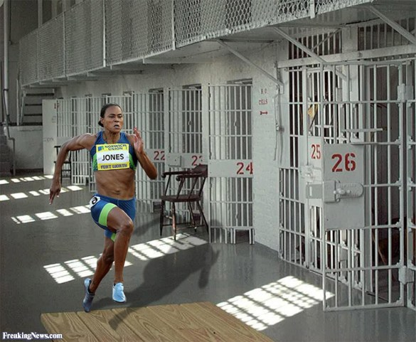 Marion-Jones-Running-in-Prison-38535