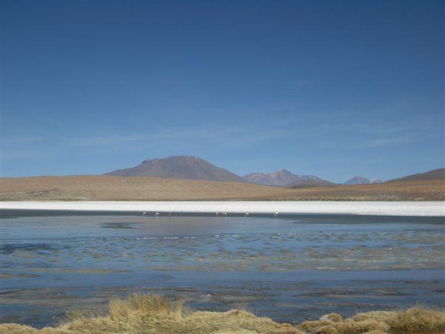 Vulcões no Salar de Uyuni - Bolívia