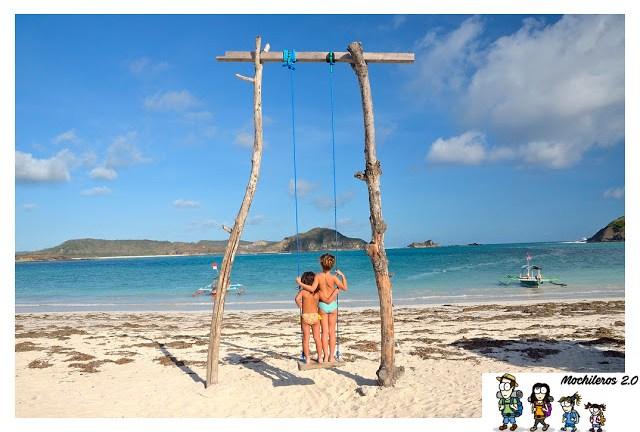 Columpio en la playa de Tanjung Aan