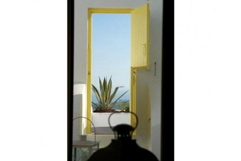Greek island Santorini luxury villas