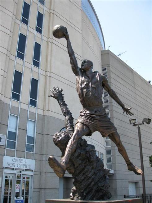 Michael Jordan Statue - Chicago, United Center.
