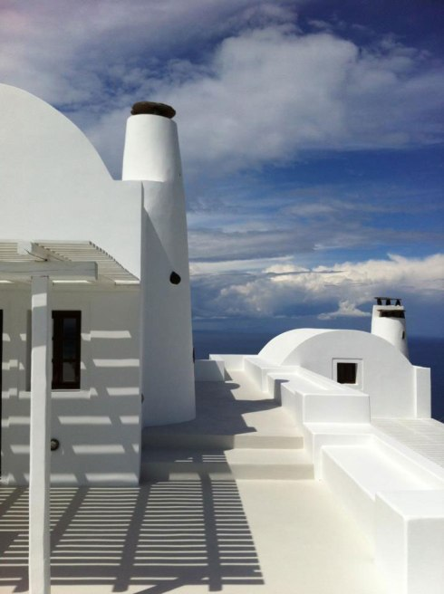 Beautiful villa in Santorini Greece 4
