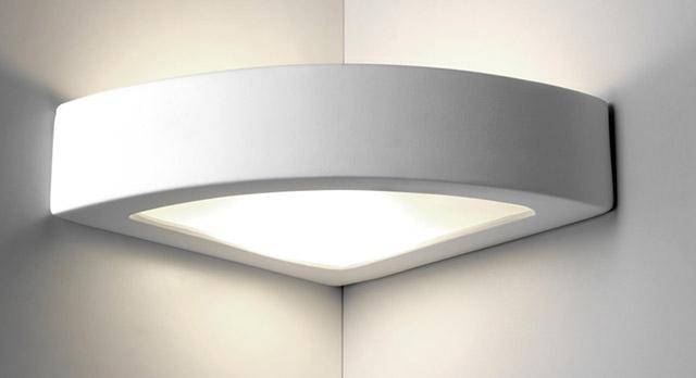 lampada-da-parete-in-gesso-angolo