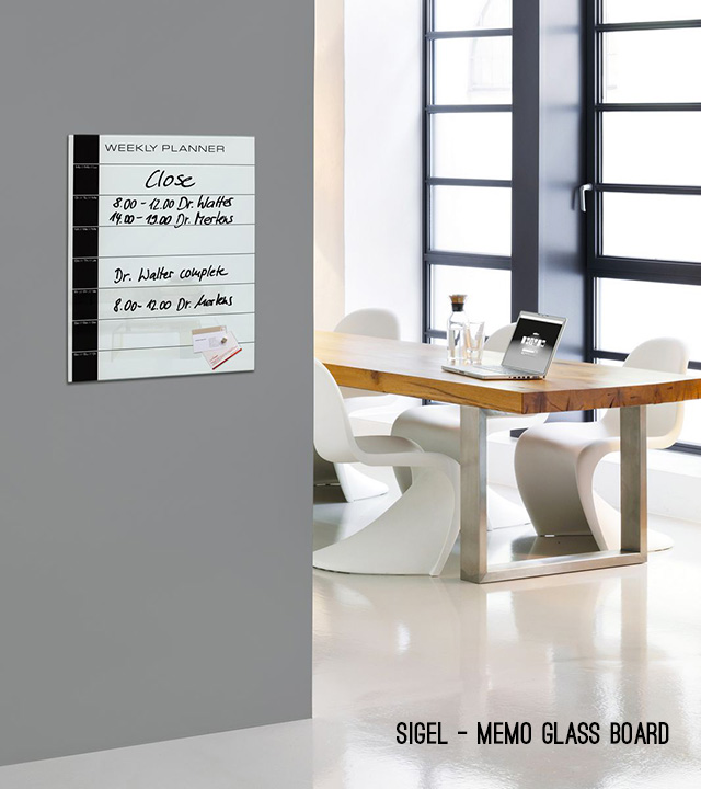 Sigel memo glass board.