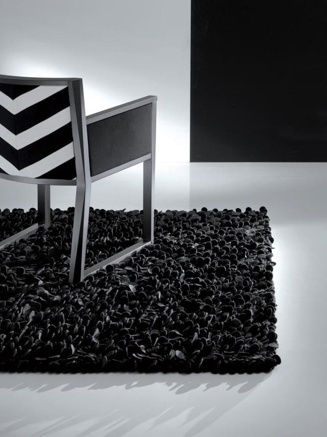 Sedia con tessuto black and white.