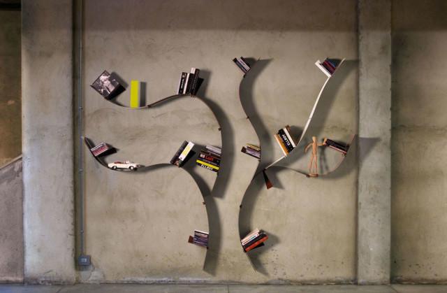 Libreria da parete wallboarding acciaio.