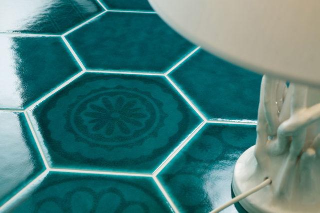 Cerasarda sardinia dettaglio piastrella decorata.