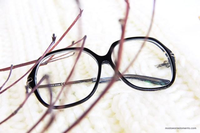 I miei grandi occhiali nero (o colorati), sono una passione a cui non rinuncio.