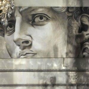 Affreschi moderni - intervista a alberto Mariani per scoprire la modernità degli affreschi - un moderno David a parete della collezione arte Mariani.
