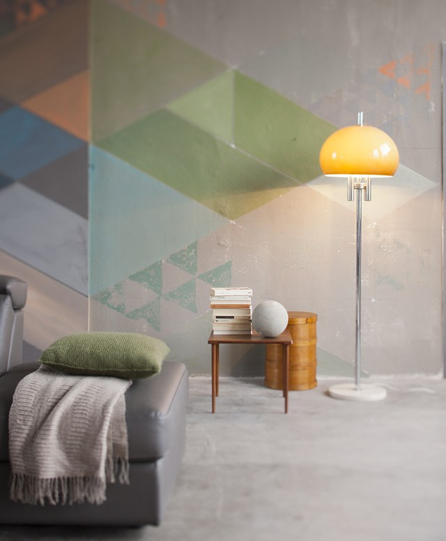 idee originali per decorare le pareti: pittura a triangoli di colori in degradè.