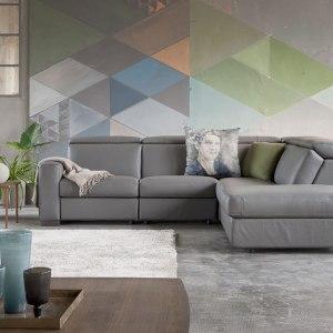 idee originali per decorare le pareti: pittura a triangoli di colori sfumati.